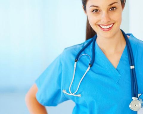 4 Tips for Landing a Gig After Earning Your Medical Degree